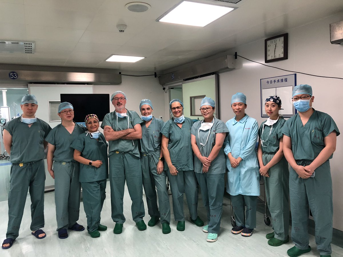 Teaching, learning and sharing surgery around the world. The 8th Asian #Robotic and #Laparoscopic Camp for #ColorectalSurgeons. My pleasure!! @AntoniodeLacy @AISChannel #tatme #SoMe4Surgery #shangai pic.twitter.com/0p8wo3Hqms