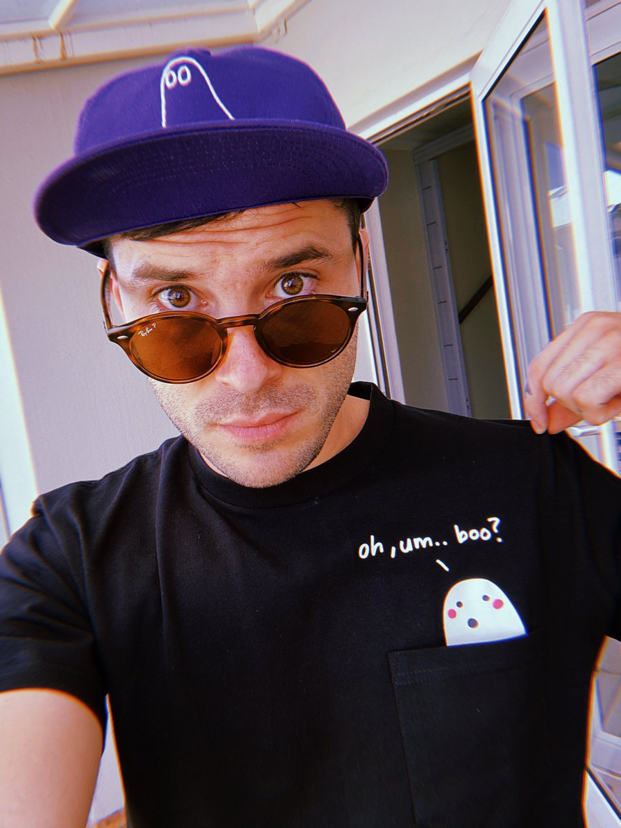 """It feels weird saying """"hey look new merch!"""" because i'm just excited for you to see it and i wish you could have it for free but i would get into trouble if I did that. I'll do a comp soon so that I can give some of it away. For now you can find the things at my shows! 💜"""