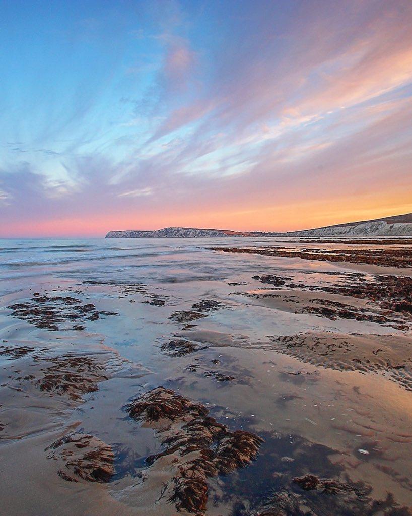 Graham Custance on Twitter: Compton Bay, Isle of Wight @VisitIOW @StormHour @ThePhotoHour @coastalliving #isleofwight #pureislandhappiness #travelblogger #photography