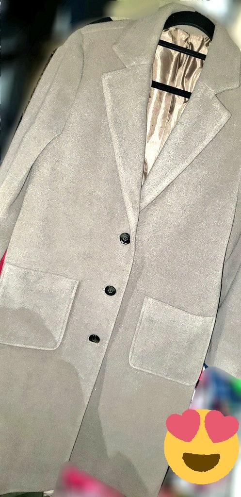 ふらっと🦓寄ったら可愛いジャケット見つけたので即購入💖もっと茶色ぽくてくすんでるんだけど色味が伝わらなくて残念😢今年買った冬アウターは全部茶色系🤣🤣#しまパト #あやらー