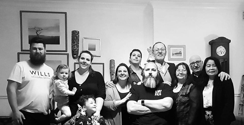 I love this photo taken last Boxing Day.This year we need to do another as our youngest Granddaughter wasn't born then.Plus my @Dons3 wants me to smile this time! 😂😂😂#family #gramps