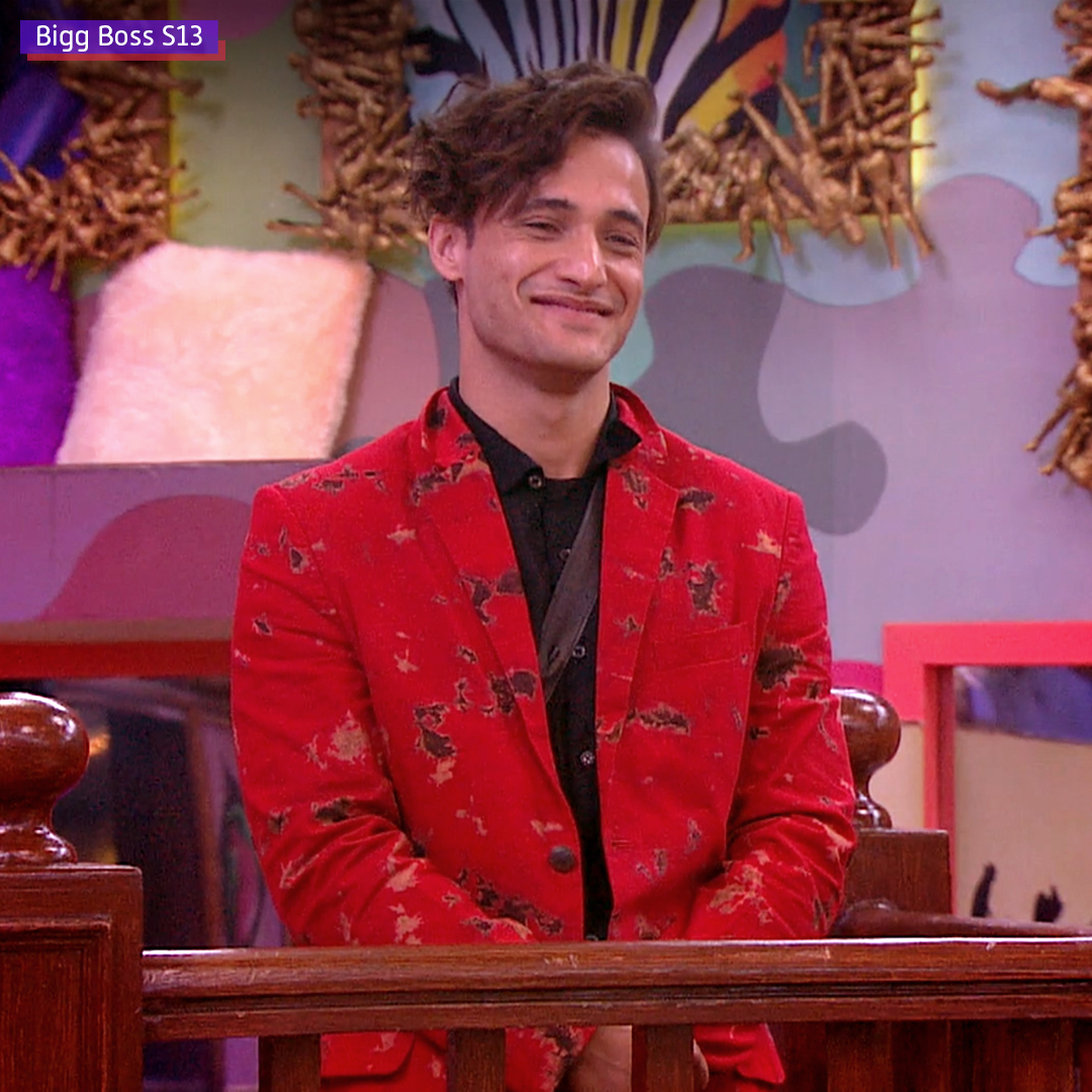 Crushes toh aate jaate hain, magar our #MCM #AsimRiaz has a permanent place in our hearts. 💓 #ManCrushMonday #BB13OnVoot #AsliFans #Voot