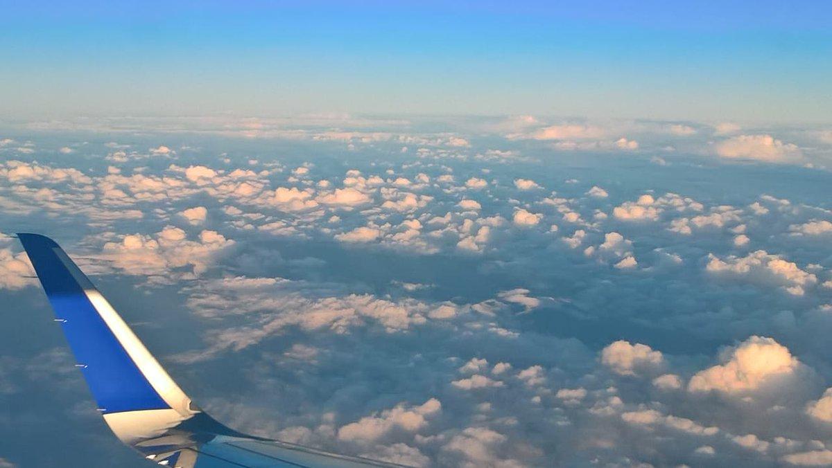 #clouds #enjoyingdusk #TwilightZone #FLIGHT #Baadal *Baadal Zaroori Hain* #indigo6e