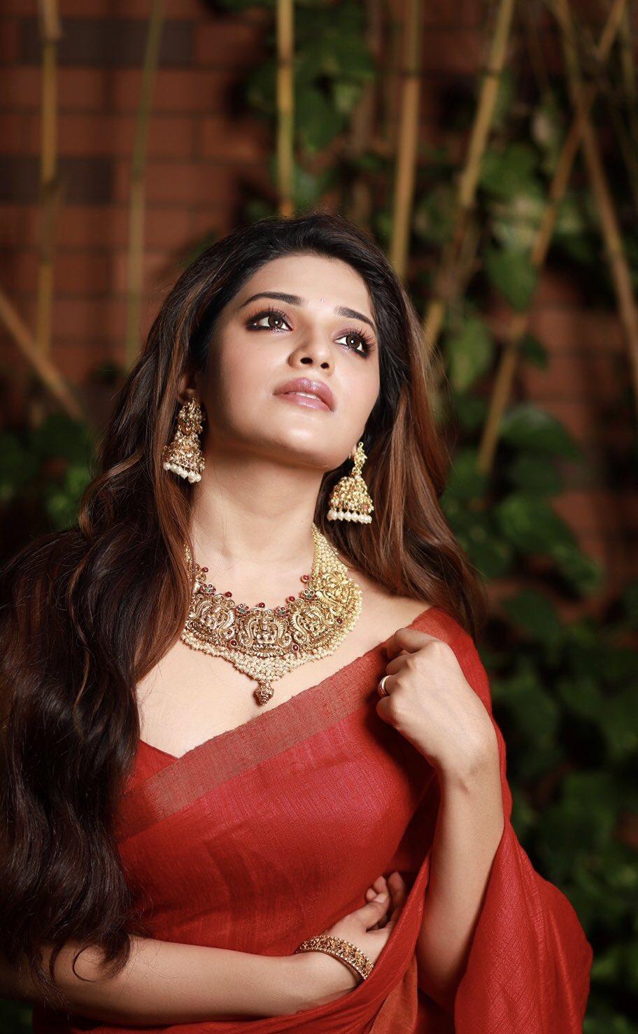 Aathmika in red saree