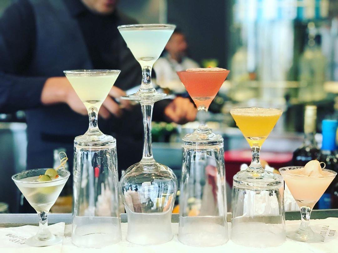 Martini flight for #SundayFunday, anyone?   : @shannonhefferntravelplanner <br>http://pic.twitter.com/eWH9aQt2Rn