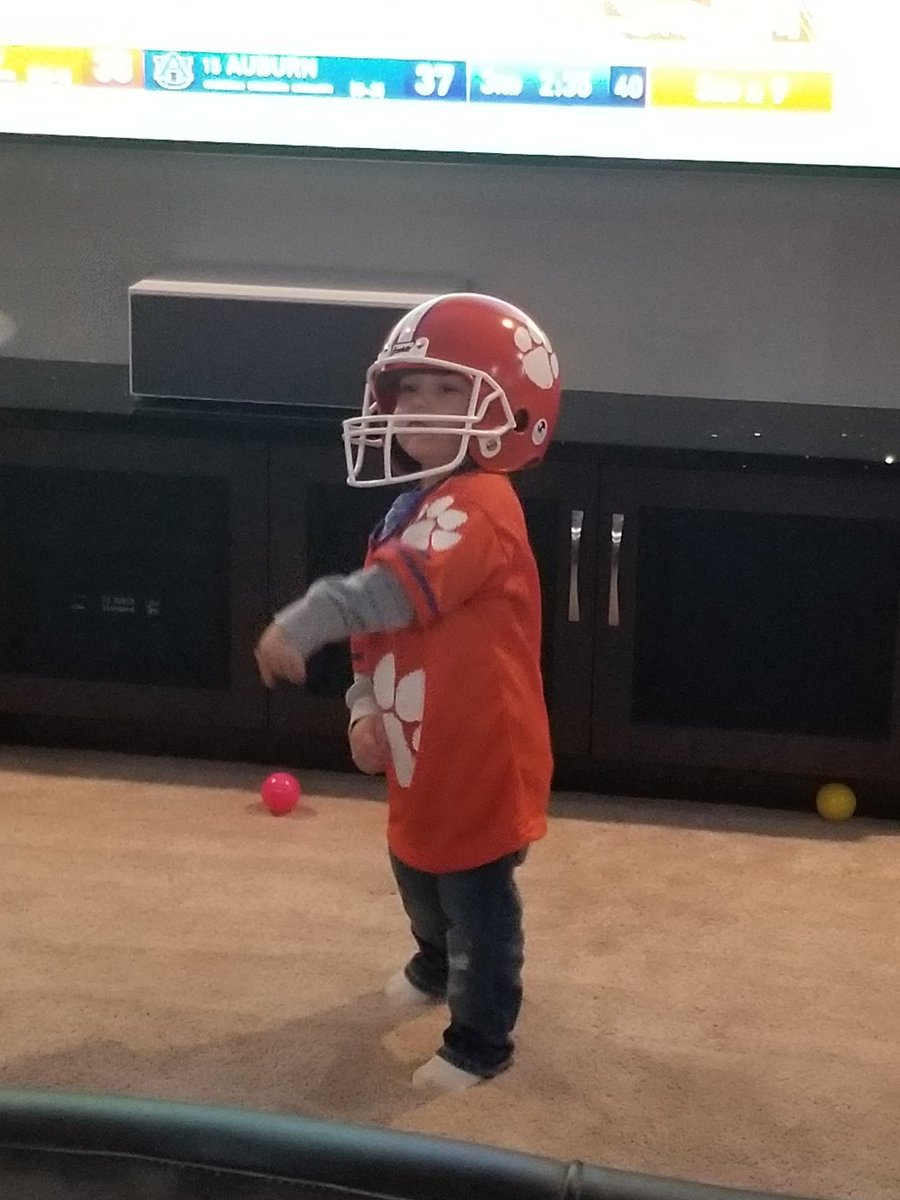 My grandson!#ClemsonFamily #southpaw<br>http://pic.twitter.com/MduD2jMMTN