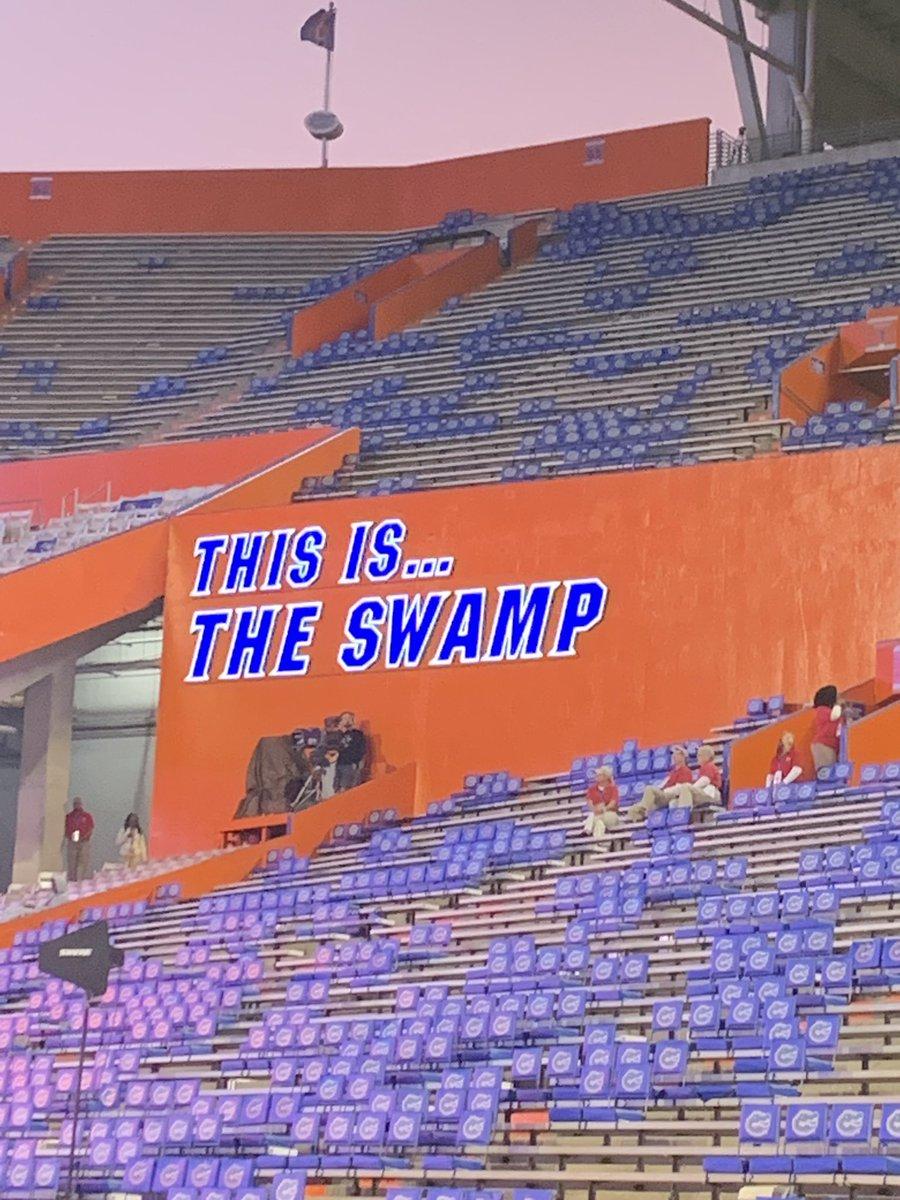 Had an amazing weekend down in the swamp!! Thanks for having me!! @KirbyOMeara #ChompChomp #GoGatorspic.twitter.com/3LnHEzKugR