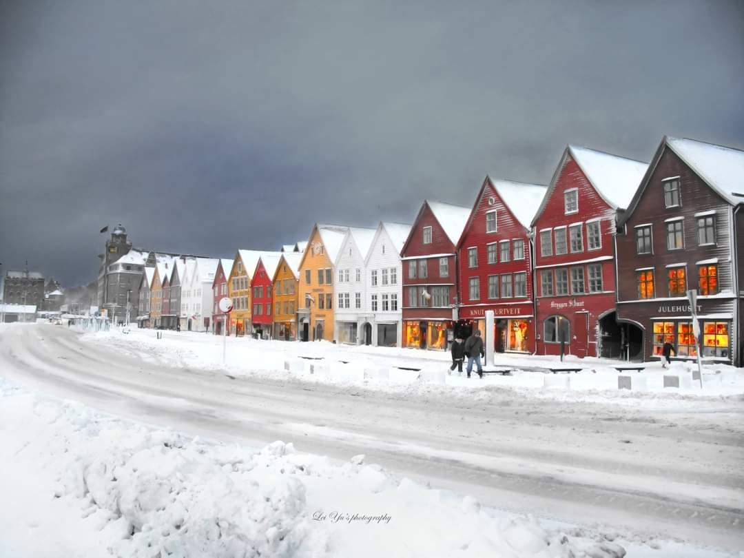 Winter in #Bergen 😍 © Lei Yus Photography #Norway #travel #fjords @visitBergen @fjordnorway