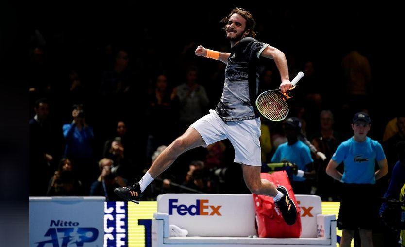 Tsitsipas beats Medvedev in battle of debutants at ATPFinals  https://www. 11news.pk/tsitsipas-beat s-medvedev-in-battle-of-debutants-at-atp-finals/  … <br>http://pic.twitter.com/5XmISN6LQx