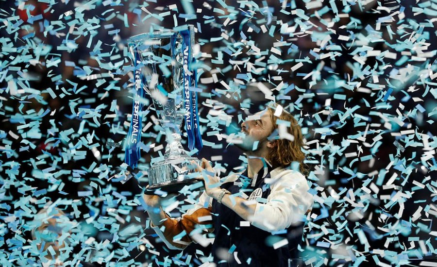 Tsitsipas fights back to beat Thiem and claim ATP Finalstitle  https://www. 11news.pk/tsitsipas-figh ts-back-to-beat-thiem-and-claim-atp-finals-title/  … <br>http://pic.twitter.com/D5qDotzhga