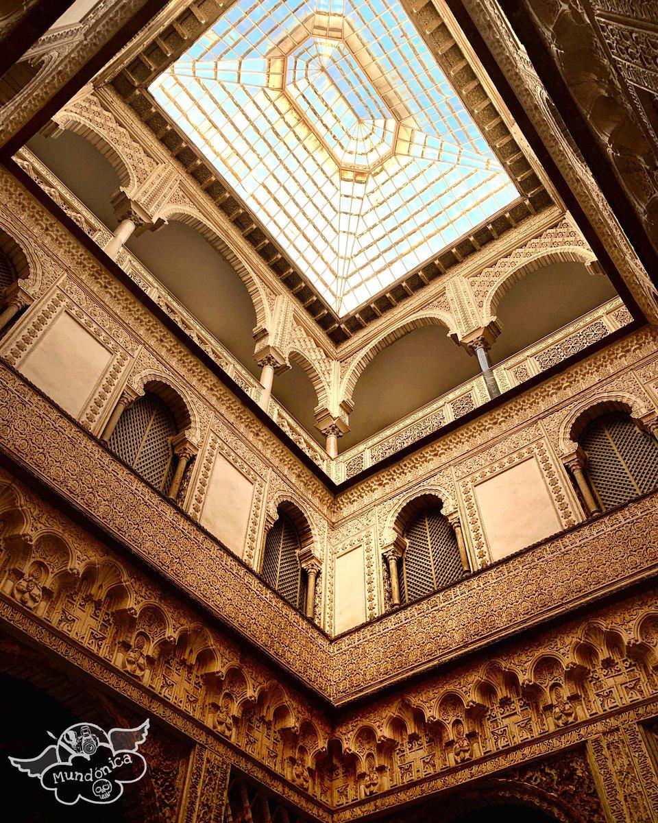 #Sevilla #sevillacity #alcazar #realalcazardesevilla #alcazardesevilla #mudejar #artemudéjar #giraldatower #sevillagram #igerssevilla #callejeando #catedral #catedraldesevilla #igersandalucia #loves_sevilla #Arquitectura #architecture #architecturephotography #arte #cityscape