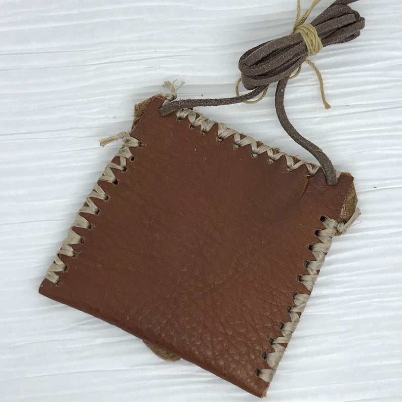 Day of Dead Medicine Leather Bag Neck Pouch Spirit Bag #MedicineBag #healingcrystals #Healing #SelfHealing, #JewelryPouch #uniquegift #uniquebag