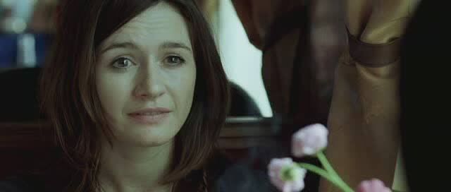 Happy birthday Emily Mortimer. She was very good in Transsiberian (and I m longing to see her in The bookshop).