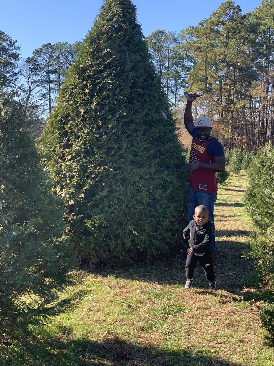 Christmas is coming  #TeamMayeles #FaithInGod #StrongMentality #WeLoveChristmas<br>http://pic.twitter.com/R4GsJQzANO – à Coker Tree Farm