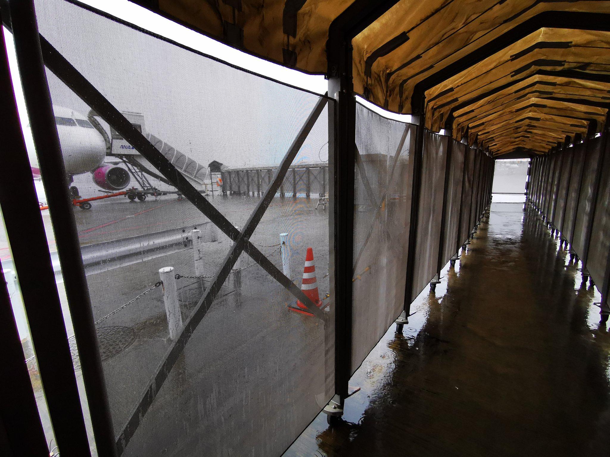 成田空港第三ターミナルwww「お前らは貧民!」と徹底的に叩き込ませる造りに感動www