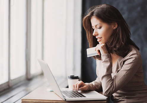 The holidays are a time of celebration, but they can also be stressful. More small businesses have begun participating in Cyber Monday to help you stress less #SmallBusinessCyberMonday #BigLove4SmallBusiness #GiftGuide #iwork4thehartford bit.ly/2P8LKoj