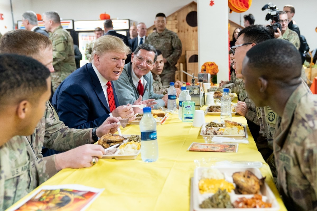 "📸 Sen. Barrasso celebrates Thanksgiving w/ POTUS and Americas troops in Afghanistan. ""It was an honor to travel to Afghanistan to tell our soldiers in person how truly grateful we all are for their sacrifice and dedication.""- @SenJohnBarrasso (Official @WhiteHouse Photo)"