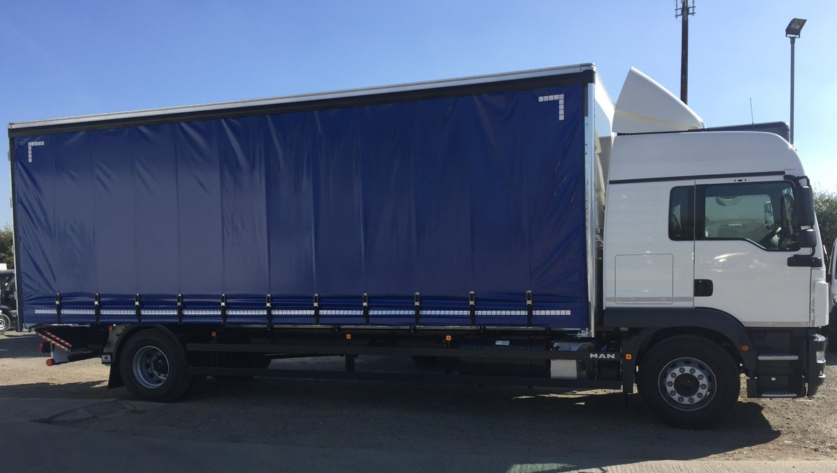 test Twitter Media - 18t TGM 18.250 Curtainsider with Tuck Away Tail Lift  With thanks to Steve at MAN and Close Brothers 👍  #Curtainsider #TuckAwayTailLift #MAN #MWHull https://t.co/HiqWsP0CvY