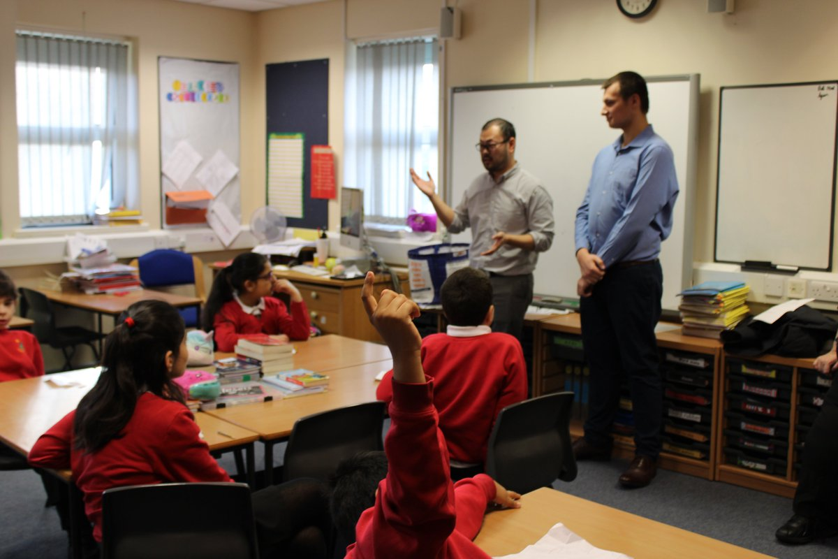 Thanks to Keiran & Jeff from @koderly for inspiring our children to think about #stemjobs #steamjobs for the future! @OldhamPledge #futureprogrammerspic.twitter.com/LJate42uYR