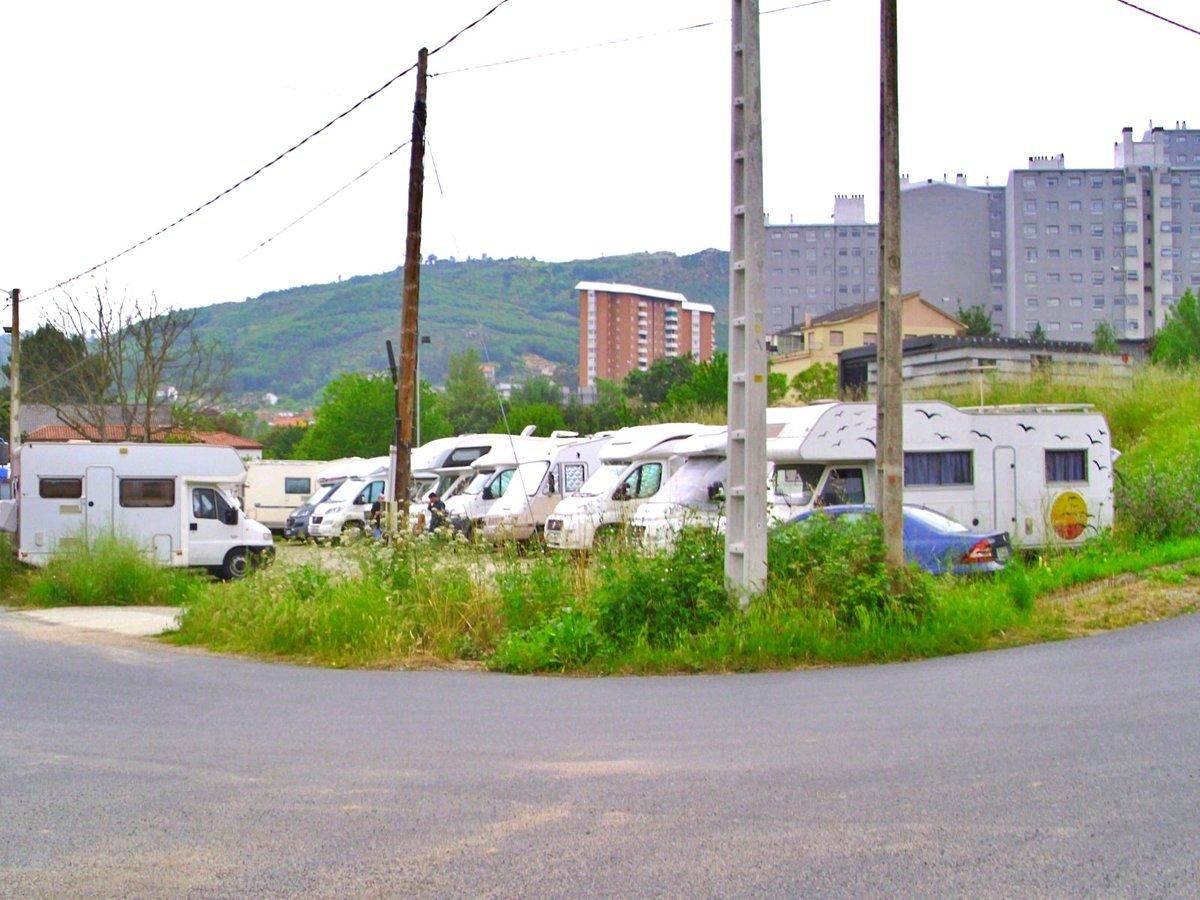 La Federación de Asociaciones de Vecinos Limiar ha trabajado en un estudio en el que se apunta a tres posibles espacios que pueden destinarse a zonas de aparcamiento para #autocaravanas en la ciudad de #Ourense...