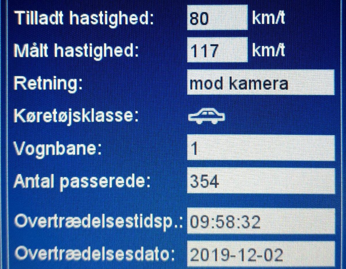 På trods af morgenglatte veje valgte 30 bilister at ignorere hastighedsgrænsen på 80km/t på Sønderborgvej ved Kruså i Aabenraa kommune da vi var forbi med ATK, så de får en kedelig hilsen i E-boks. 3 får også et klip i kørekortet for hhv. 109, 113 og 117 km/t #atkdk #politidk https://t.co/PAxiywq9Dm
