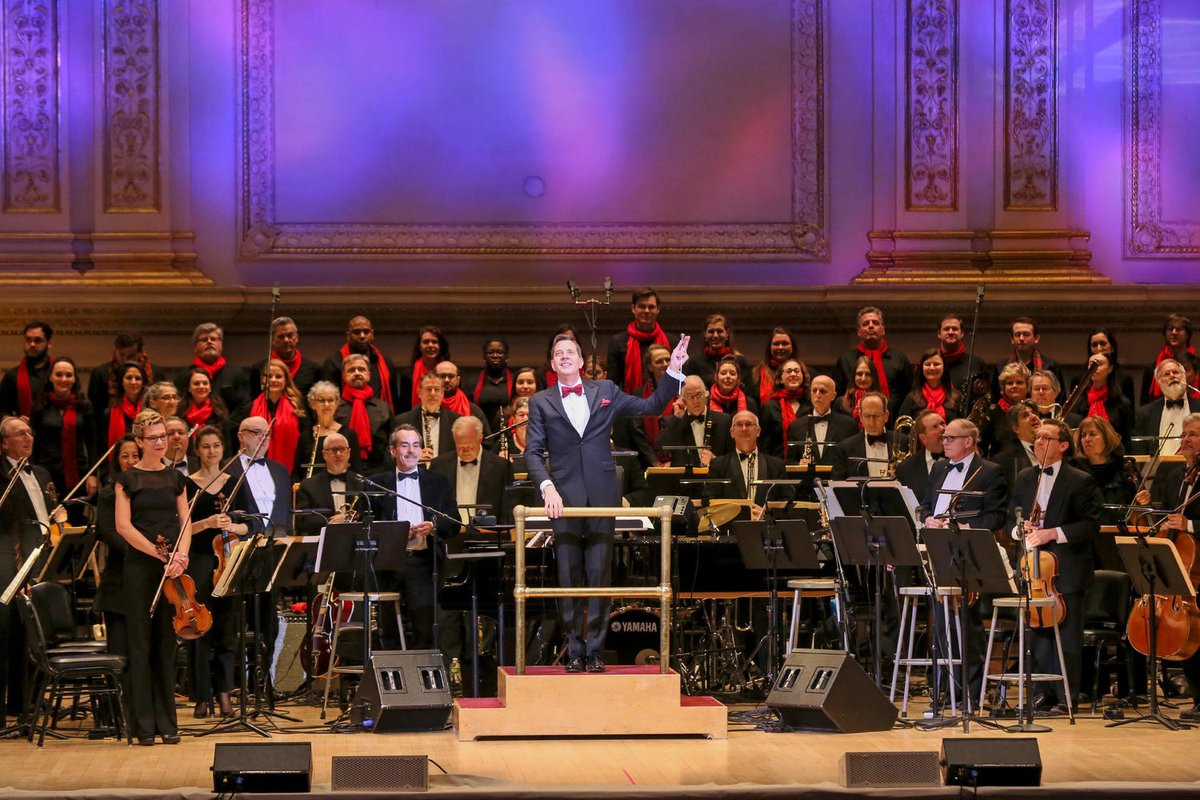 Get festive at @TheNewYorkPops annual holiday concert on 12/21. Start your evening w/ a pre-show reception & enjoy the concert as Steven Reineke leads the Pops w/ @TonyDeSare & @CapaRichness. This package is exclusively for @Mastercard cardholders. mstr.cd/2DEPxnQ