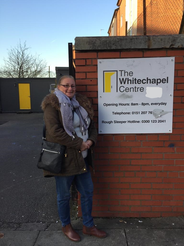 Our colleague Jill #Liverpool City Jobcentre was at @WhitechapelLiv on Friday supporting the service users as part of #Community10k. She was on hand to serve meals, undertake a spot of cleaning and was able to offer some advice about the support we can offer too.