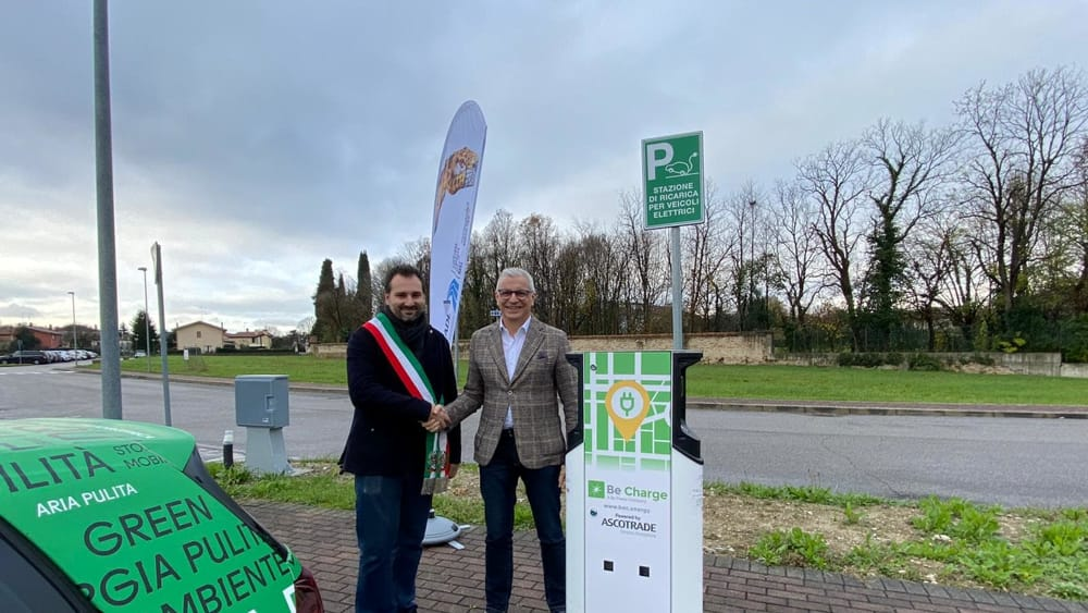 Auto elettriche, Motta di Livenza inaugura una nuo...