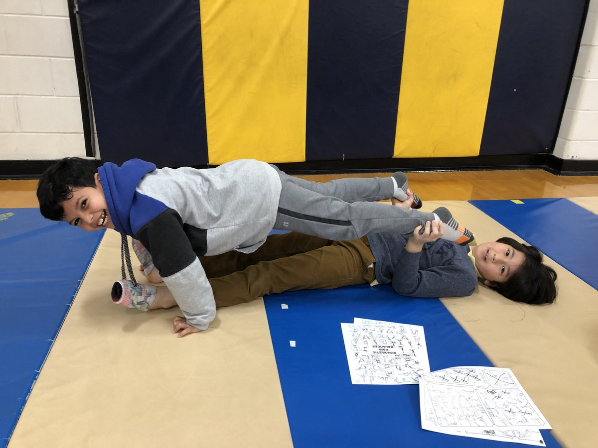 3rd grade starting STEM integration project-force/tension/counter tension/counter balance in group balances! Boy they had fun! <a target='_blank' href='http://search.twitter.com/search?q=hfbtweets'><a target='_blank' href='https://twitter.com/hashtag/hfbtweets?src=hash'>#hfbtweets</a></a>  <a target='_blank' href='http://search.twitter.com/search?q=apsisawesome'><a target='_blank' href='https://twitter.com/hashtag/apsisawesome?src=hash'>#apsisawesome</a></a> <a target='_blank' href='https://t.co/U5rgp5iPWN'>https://t.co/U5rgp5iPWN</a>