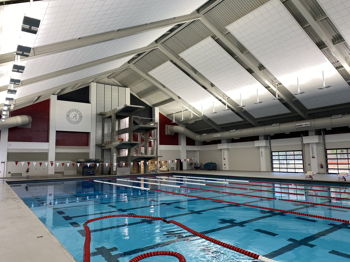 Touring the newly renovated Don Gambril Indoor Pool. Putting finishing touches on the facility. Combined with the new outdoor pool, @AlabamaSwimDive will have one of the top facilities in the country. #RollTide 🏊🏽♂️ 🏊♀️🐘