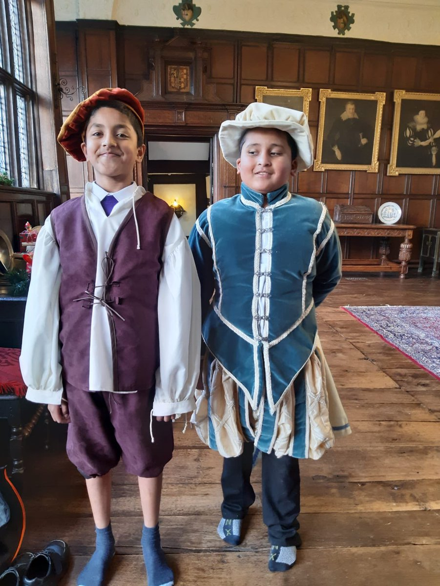 Year 5 have had a fantastic day @Bramall_Hall thank you so much to the staff for looking after us so well!! We had a great time (1/2) #inspirecurriculum #makingitreal