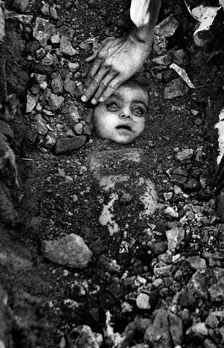 H3C-N=C=O or Methyl Isocyanate, MIC. Toxicity: 0.02 parts per million.35 years ago, at this very moment, 11:50 pm, 42,000 kgs of MIC were released into the Bhopal air. 15,342 died; 558,743 were permanently disabled. Anderson was allowed to escape.NEVER forget. NEVER forgive.
