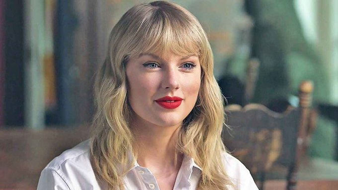 Happy 30th birthday to singer Taylor Swift!