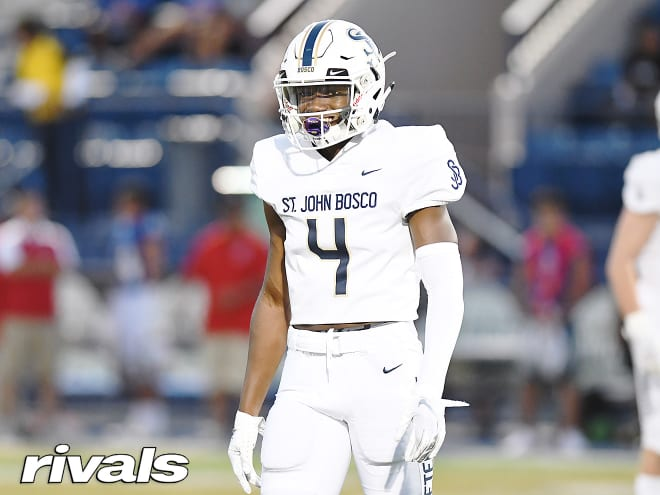 #UDub DB commit James Smith on the news Chris Petersen is stepping down and Jimmy Lake is the new head coach: I am even more committed to the program  https:// rvls.co/2OEzCfA    <br>http://pic.twitter.com/jHNq2ecwPM