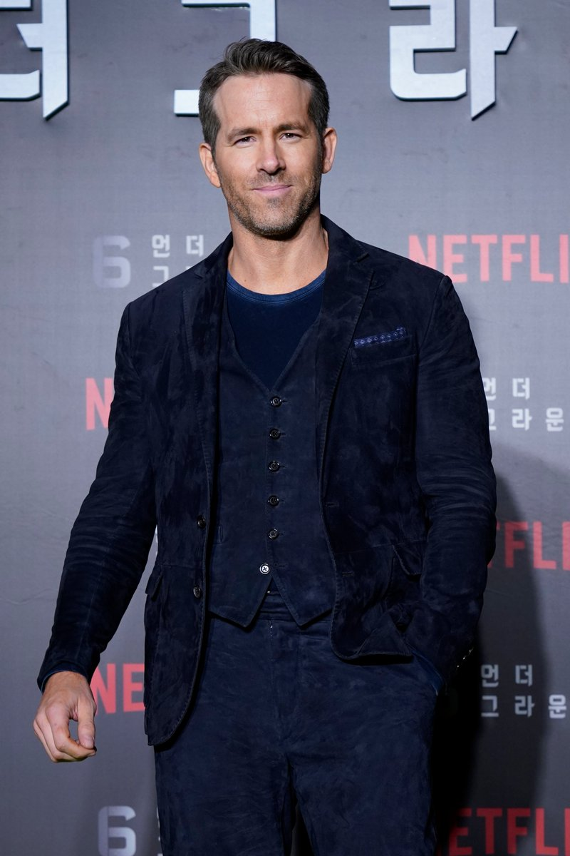 .@VancityReynolds wears an #RLPurpleLabel suit from the Pre-Spring 2020 Collection to the world premiere of @Netflix's 6 Underground in Seoul, South Korea