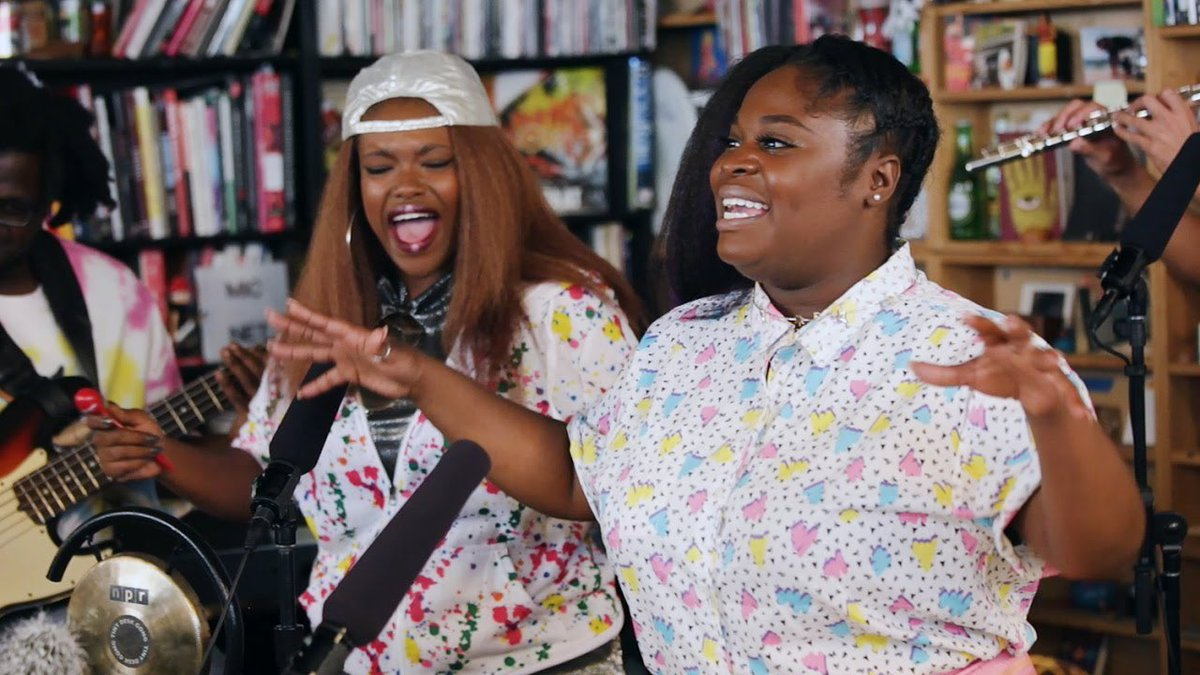 And I absolutely can't depart this thread without imploring you to watch the @TankandDaBangas one. I defy you not to fall head over hills in love with Tank and Jelly in this, which I have watched about 50 times by now.