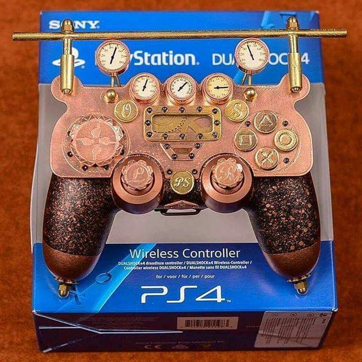 #Geek 🤓 Awesome of the Day: Custom #Steampunk ⚙️ #TheOrder1886 #PS4 #Controller with Gauges & Brass Pipes by Dr. Leslie Aromo via @leeloo_minai_ #SamaGames 🕹️ #SamaGeek
