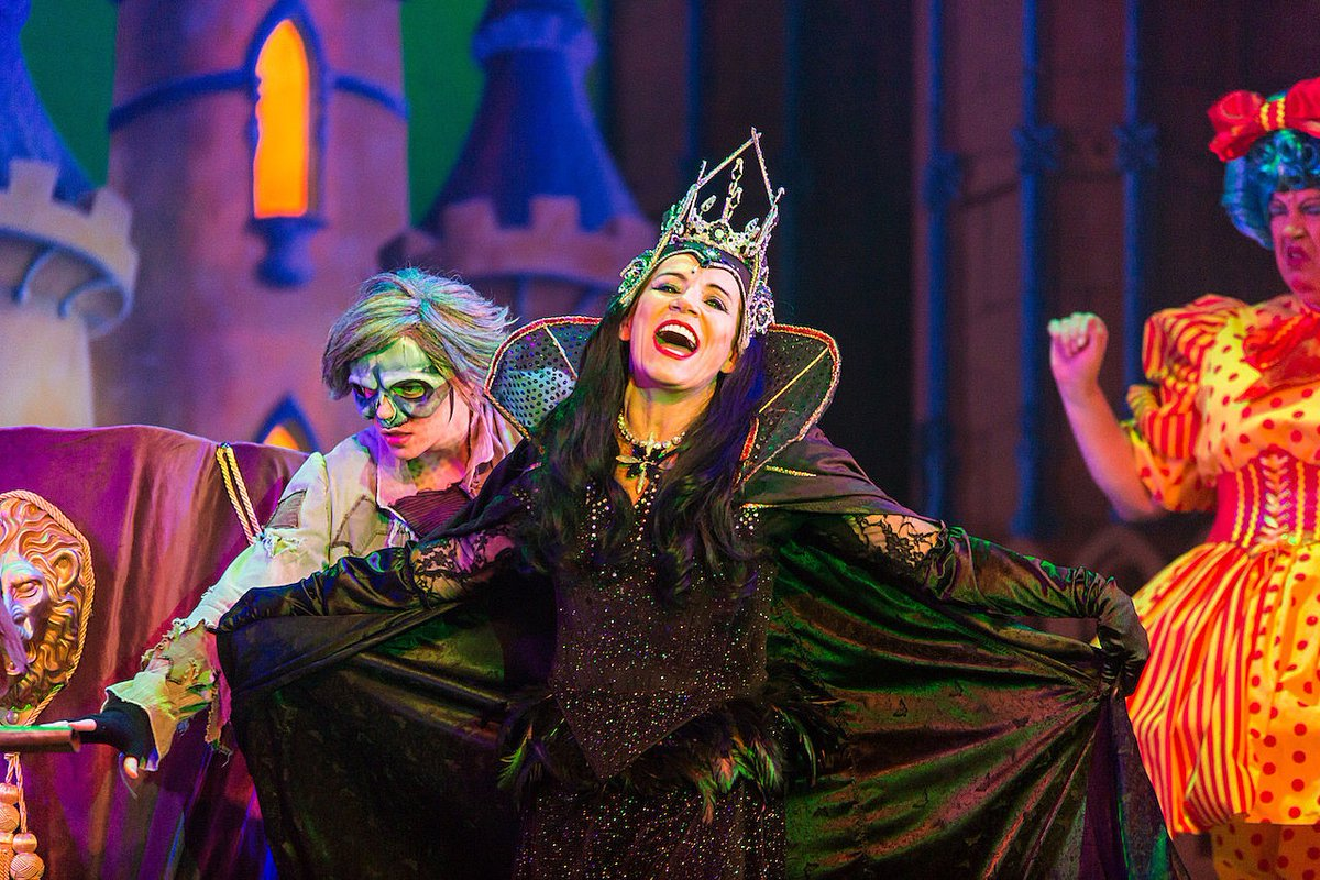 Theatre review: Sleeping Beauty at @WyvernTheatre, Swindon - britishtheatreguide.info/reviews/sleepi…