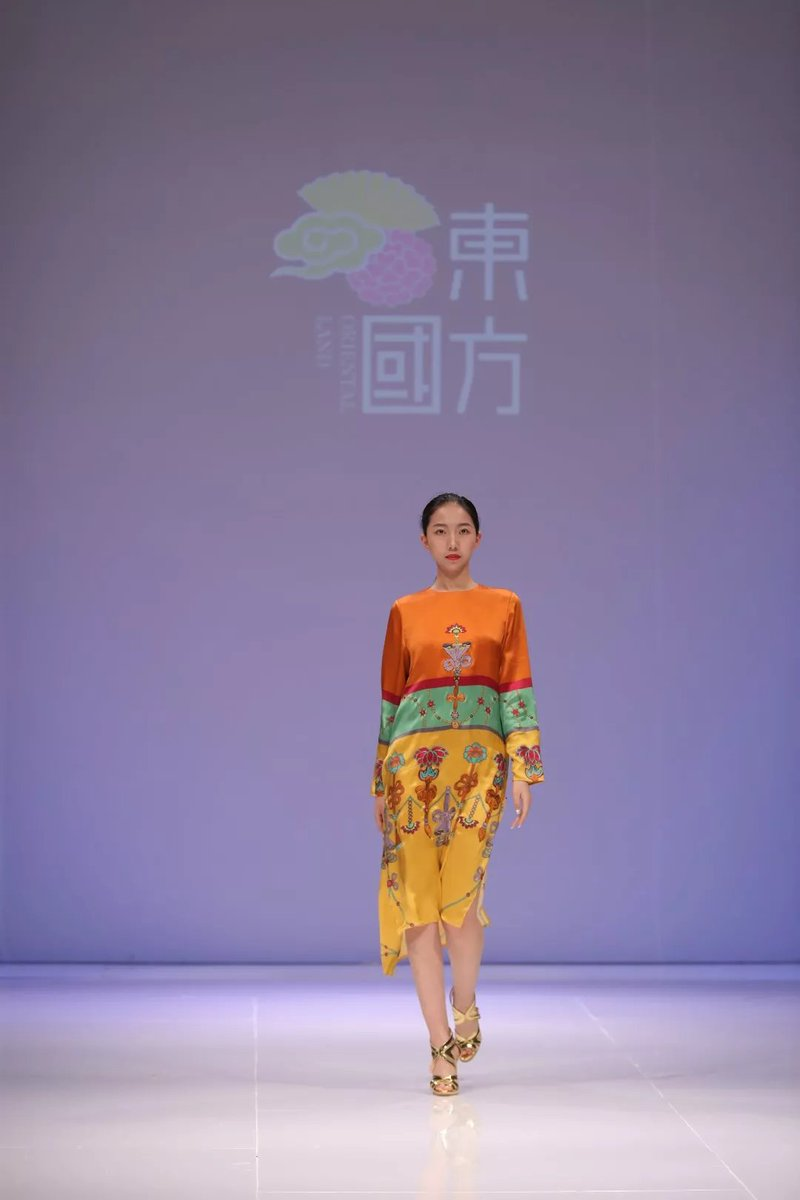 China Academy Of Art On Twitter Wu Haiyan Caa Professor And Famous Fashion Designer Was Recently Invited To Exhibit Her Traditional Chinese Style Designs At Dubai Fashion Days This Is The 4th International