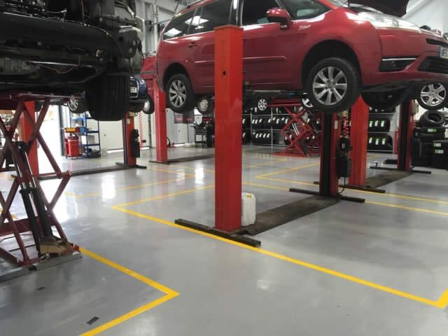 We are an #IndustrialFlooring contractor that specialises in #epoxyresin vehicle workshop floors  Read more here... http://bit.ly/2T0xvps  @CarDealerMag #MotoTrade @Automotive_News @MotorTraderMag #Automechanika #F1 #Formula1pic.twitter.com/BbMpq3qGs8