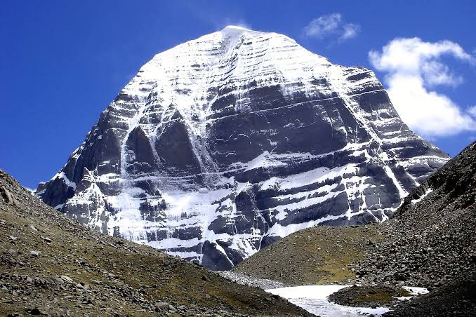 Kailash Mansarovar #NewCoverPic   Fact: It was Dr. @Swamy39 's effort in 1981 that he managed for the Hindu devotees to get an access for Kailash Mansarovar. His meeting with then China's leader Deng Xiaoping, the pilgrimage route was re-opened.🙏🏻🙏🏻