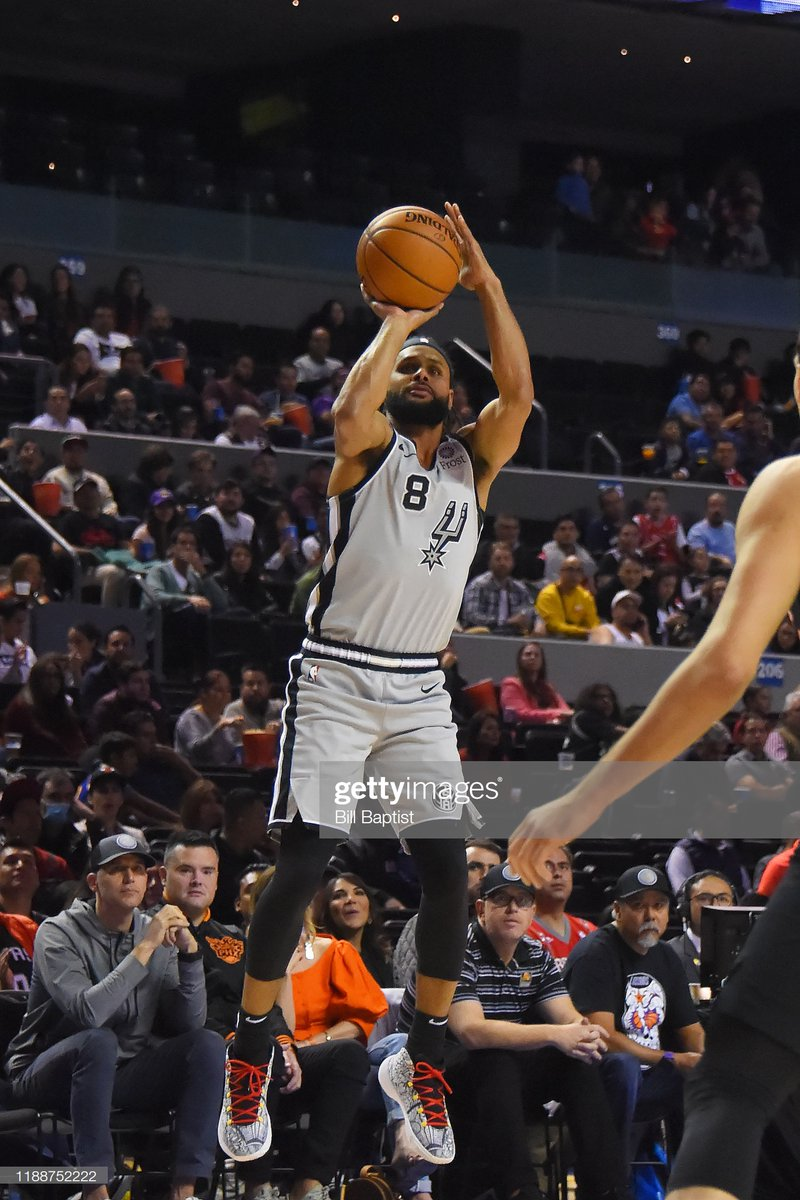 🏀FINAL SCORE THREAD🏀  The @Spurs outlast the @Suns in OT behind Patty Mills' 26 PTS and 6 3PM in the #NBAMexicoCityGames   #GoSpursGo 121 #RisePHX 119  LaMarcus Aldridge: 18 PTS, 7 REB, 3 BLK DeMar DeRozan: 18 PTS, 6 REB Dejounte Murray: 18 PTS, 7 REB, 5 AST  #NBA