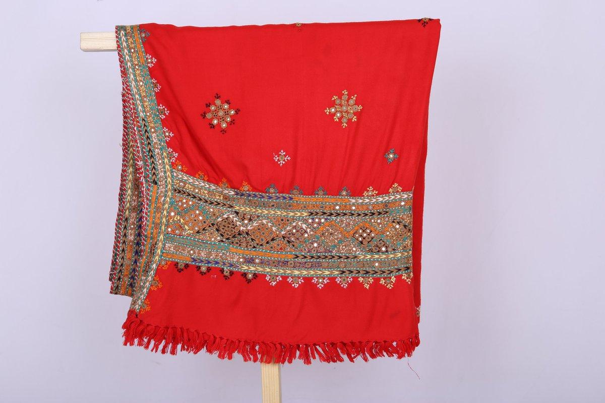 Add a pop of color to your wardrobe with our Pure Handmade wool shawls collection online->https://goo.gl/zUFwBM SKU:00005.02-09 #Winter #Shawls  #shawlknitting #shawltutorial #shawlpublika  #shawllovers #shawllover #shawlonline #instantshawl #shawlpin #shawlexclusivepic.twitter.com/1NqYvmjvdX
