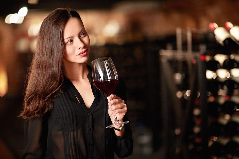 #Importatori di vino italiano a #NewYork, ecco i migliori 10!: Gli Stati Uniti sono per il momento il primo mercato mondiale per il consumo di vino. Il mercato del vino americano nel corso del 2018 ha toccato i 68 miliardi di dollari di fatturato al… http://dlvr.it/RLJkJQ