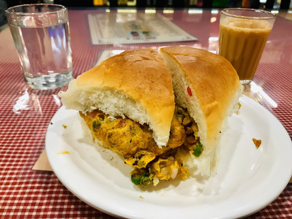 Today's brunch was worth every rupee I dished out. Full marks to #IraniCafe (Prabhat Road) for making the perfect bun masala omelette (big, fat and moist). Will definitely be visiting this place again and again. Highly recommended! #Pune #Food #Yummy