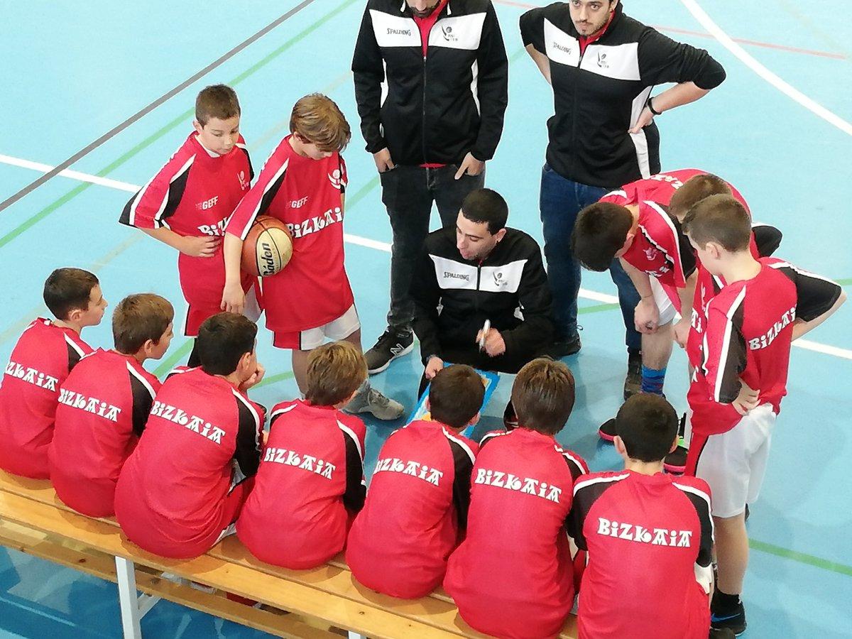 La selección MINI chicos de @BizkaiaBasket ha perdido contra Cantabria 77-69 en el amistoso de SANTOÑA @AskartzaSaski @LaSalleBilbao @zornotzast @CBPadura @TabirakoBaqueST @GKesb @GetxoSaski @santurtzibasketpic.twitter.com/MTYVqzBQgo