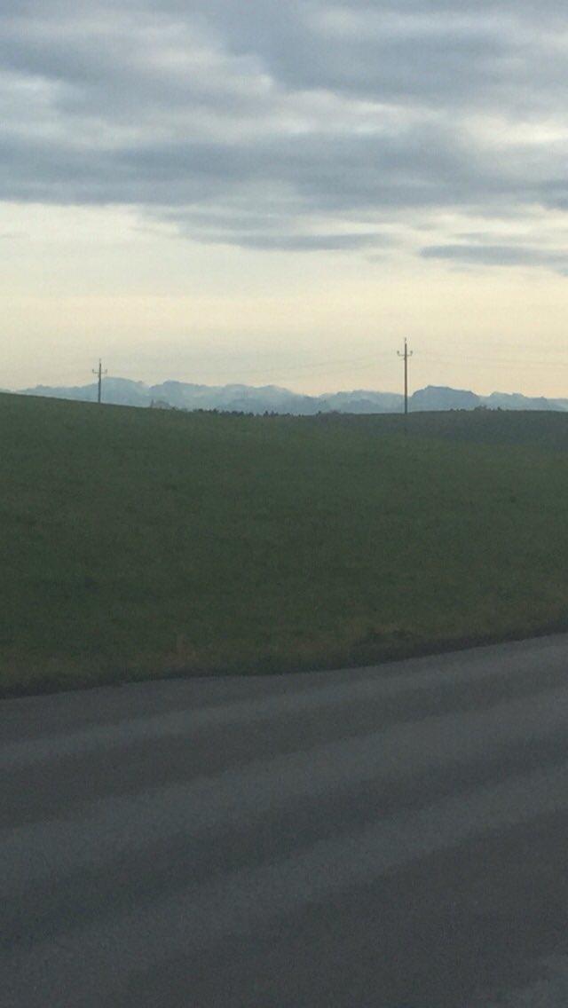Schöne Grüsse aus dem Innviertel....Alpenvorland.. wenn mans Gebirge sieht, wirds schiarch, heissts normal!????Stimmt das  Herr @MarcusWadsakpic.twitter.com/1sblPCEGsF