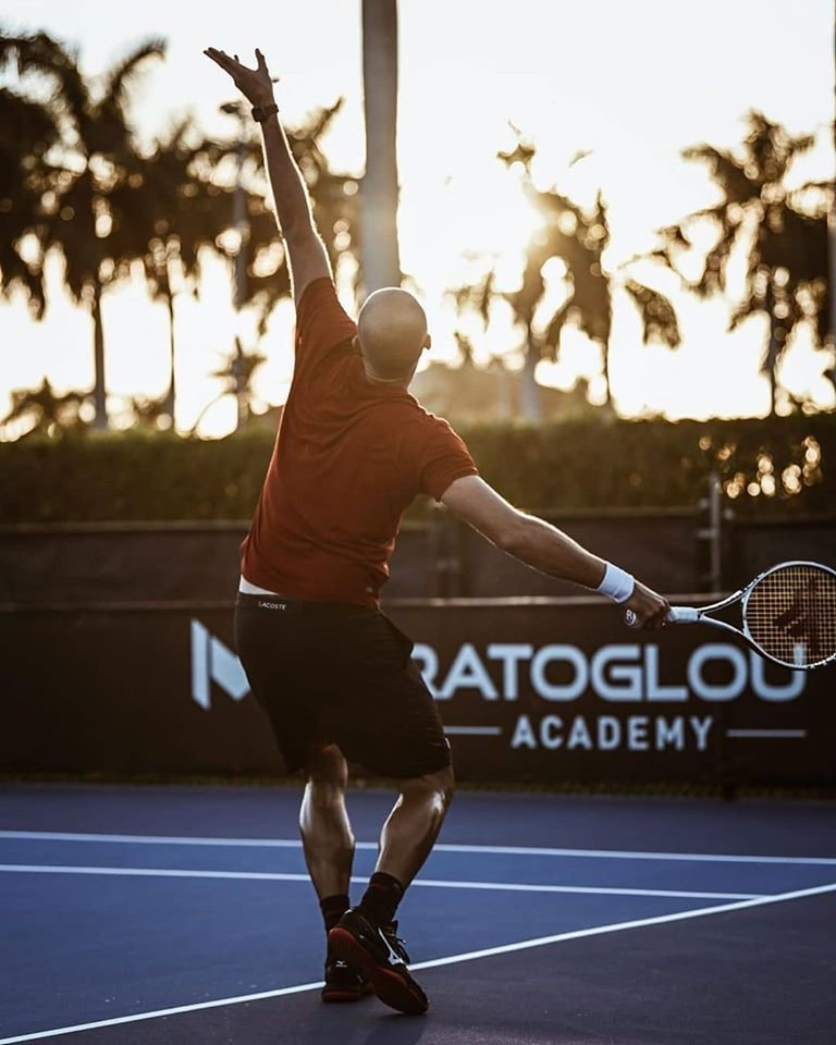 Repost @MouratoglouAcad IG Serving for the sunset. @MariusCopilpic.twitter.com/q123dAxbZL