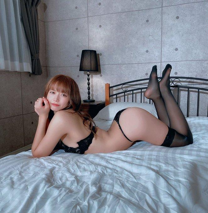 グラビアアイドル桜りんのTwitter自撮りエロ画像17