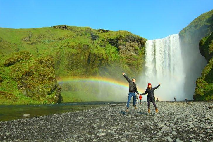 @hirosetakao 夫婦で43カ国ほど旅行をしましたが、一番印象的だったのはアイスランド 🇮🇸。人間の手が入っていない自然の風景が素晴らしく、最高にインスタ映えします。その他にも、・クレジットカードだけで過ごせる・9月頃からオーロラ観れる・英語だけで旅できる・治安が良いなど、本気でオススメです。